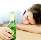 男人醉酒教你哪些食物能解酒