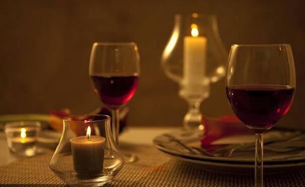 <b>学习粉丝团:一天一杯葡萄酒:也增加患癌风险?</b>