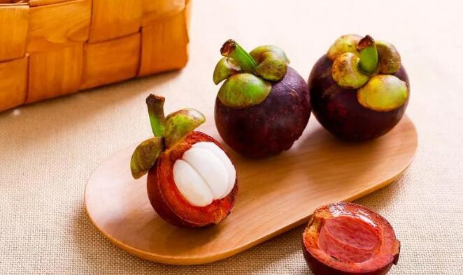 <b>新宿事件:原来水果得按月份吃!十月吃这个补血又补铁</b>