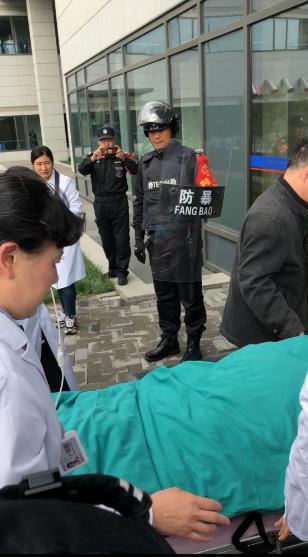 <b>重伤学生转运北京天坛医院 进京后全程只用78分钟</b>