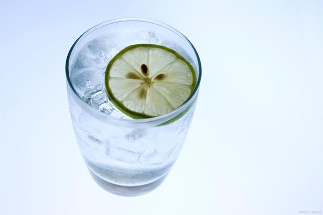 喝水也能看出身体是否健康?看完这4点,